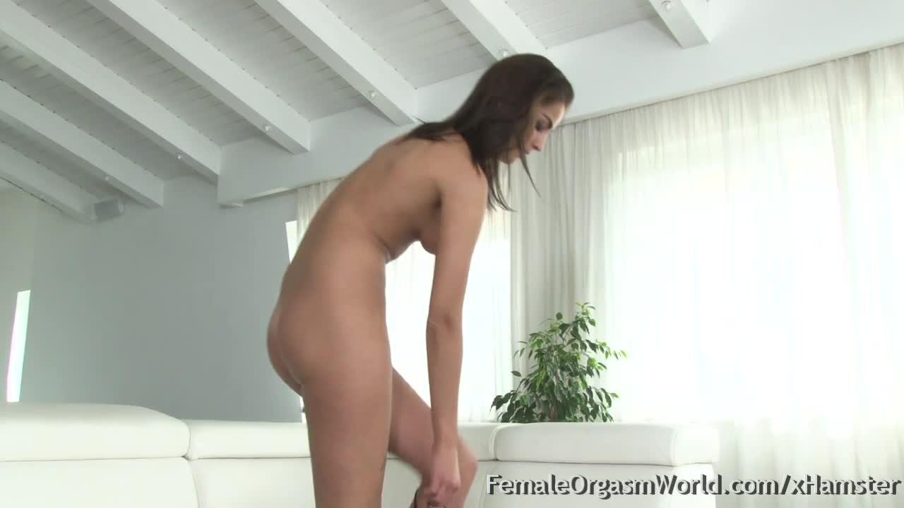 Novinha gostosa com vibrador